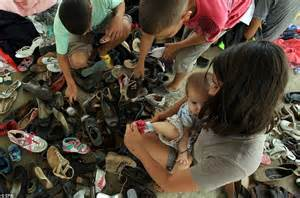 Colombians Threatened With Deportation From Venezuela Carry All Their Possessions