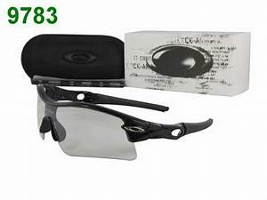 Oakley Pas Cher : lunette oakley solde lunette soleil oakley solde ~ Medecine-chirurgie-esthetiques.com Avis de Voitures