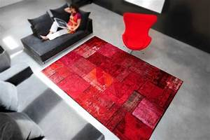 le tapis contemporain de l39art sous les pieds With tapis contemporain rouge