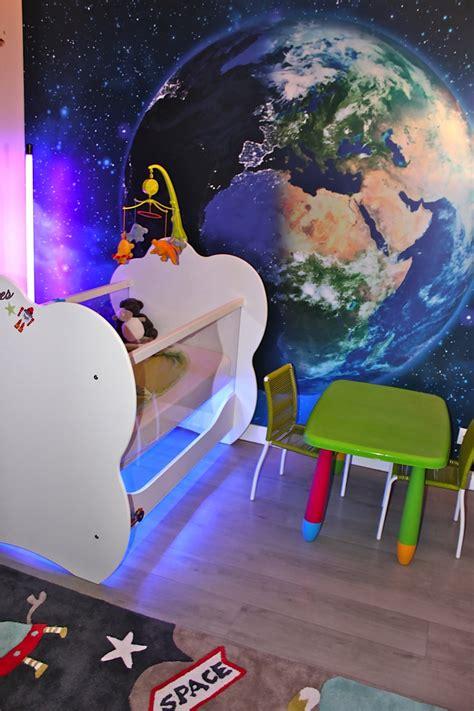 deco chambre espace déco chambre d 39 enfant sur le thème de l 39 espace
