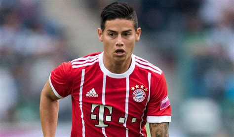 James rodríguez height is 1.80 m and weight is 77 kg. El plan que tiene el DT del Bayern con James Rodríguez ...