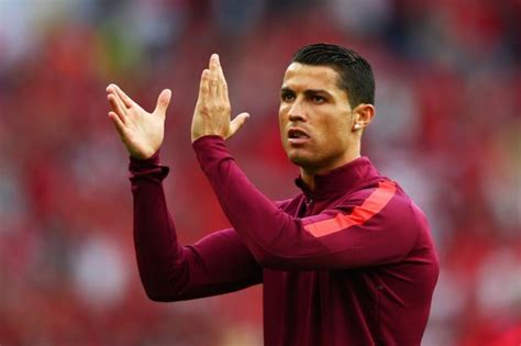 Cristiano Ronaldo breaks ANOTHER record as he becomes ...