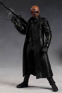 Review and photos of Avengers Nick Fury sixth scale figure ...