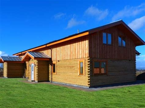 Log Cabins With Hot Tubs