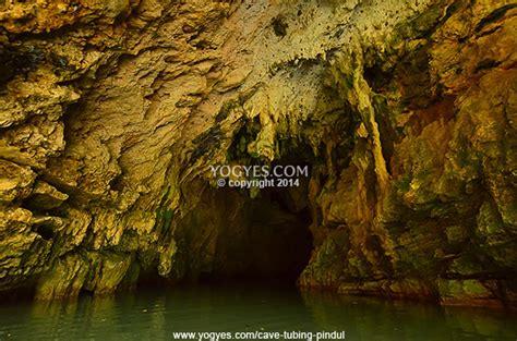 indahnya batuan karst  pintu masuk gua  goa pindul