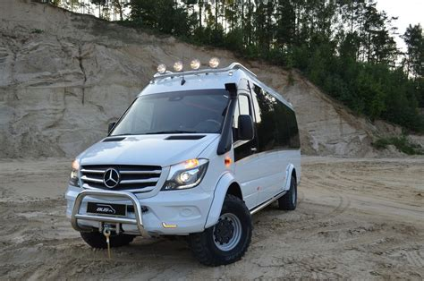 The 2020 mercedes benz sprinter 4x4 gives you the traction, lateral stability, and pulling power you need to handle the toughest jobs. New MERCEDES-BENZ Sprinter 519 4x4 passenger van for sale from Iceland, buy passenger van, TV17480