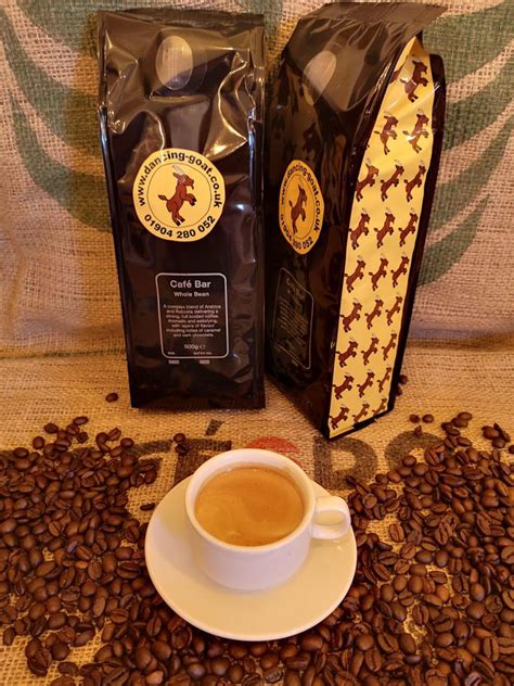 Offers house blends with beans mix from java, lombok and flores. Cafe Bar Whole Bean Blend by Dancing Goat Coffee 500g - Dancing Goat Coffee