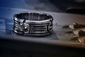 star wars lightsaber style wedding ring geektyrant With lightsaber wedding ring