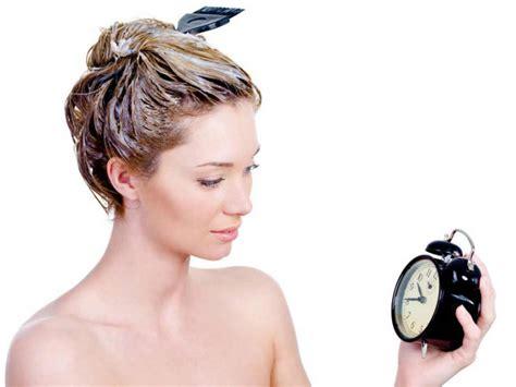 colorare i capelli a casa tingere i capelli in casa istruzioni e consigli per