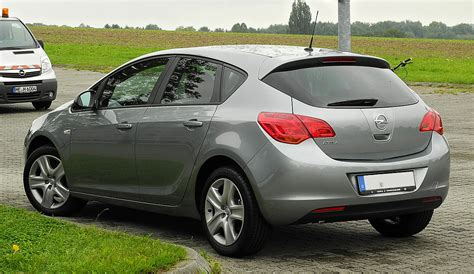 Opel Astra J by File Opel Astra Design Edition J Heckansicht 14