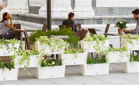 Vertical Garden Boxes by Stacked Planter Boxes Easy Freestanding Vertical Garden