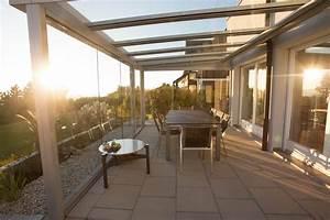 Beschattung Wintergarten Preise : terrassendach glas mit glasschiebeelemente balkonverglasung terrassenverglasung terrasse ~ Frokenaadalensverden.com Haus und Dekorationen