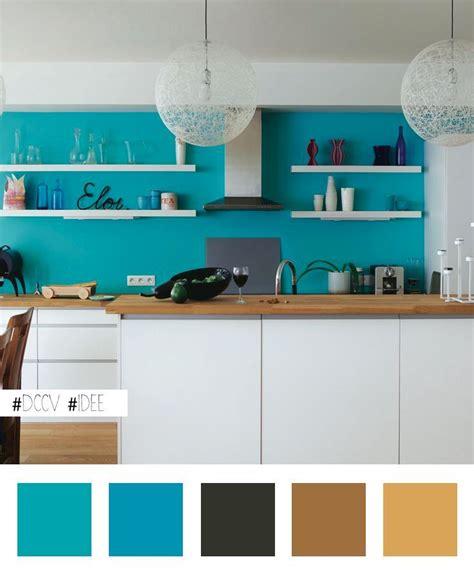 idée maline égayer une cuisine blanche en peignant le mur