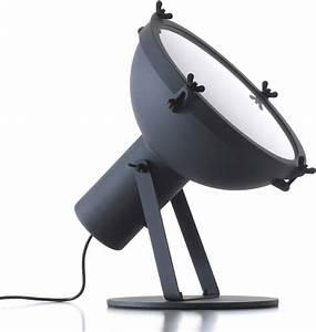 Lampe De Table Cinema : lampe de table projecteur 365 by le corbusier r dition 1954 anthracite int rieur blanc ~ Teatrodelosmanantiales.com Idées de Décoration