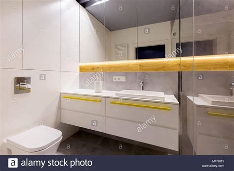 Gelbe Fliesen Bad by Gelbe Fliesen Bad Fabulous Beste Fliesen Badezimmer Der