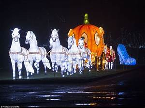 Longleat House transforms with Festival of Light | Daily ...