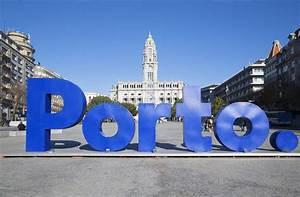 La Centrale Alphabet : signe norme porto dans la ville centrale image ditorial image du bleu destination 83225380 ~ Maxctalentgroup.com Avis de Voitures