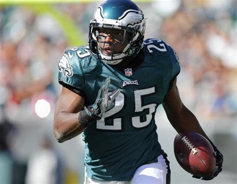 Find the highest cash back returns and lowest interest rate. LeSean McCoy leaves 20 cent tip at Philly burger joint - NY Daily News