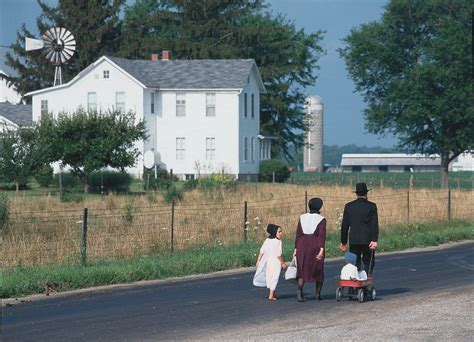 northern indiana is home to more than 20 000 amish