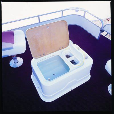 Pontoon Boat Livewell Seat by Research Weeres Pontoon Boats Fisherman Deluxe 240 On