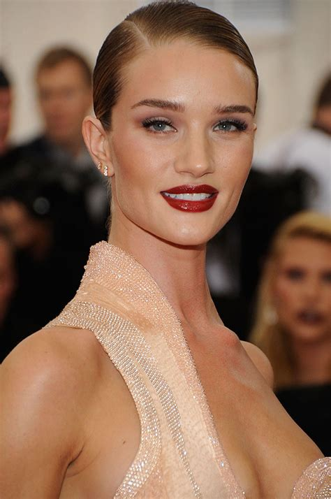 Rosie Huntington-Whiteley's All-Time Favorite Red Lipstick ...
