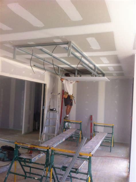 cr 233 ation d un plafond suspendu d 233 coratif 12 photos sarl durou fils hagetmau