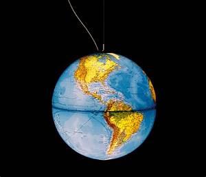 Globus Als Lampe : globus erde tischleuchten von absolut lighting architonic ~ Markanthonyermac.com Haus und Dekorationen