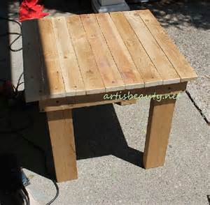 Comment Fabriquer Une Le En Bois by Comment Construire Une Petite Table Vintage Pour Le Jardin