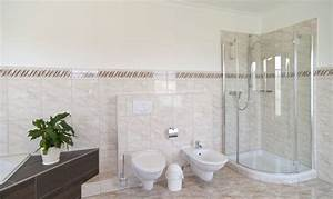 Badezimmer Putzen Tipps : bad putzen elegant an den scharnieren greifen with bad ~ Lizthompson.info Haus und Dekorationen