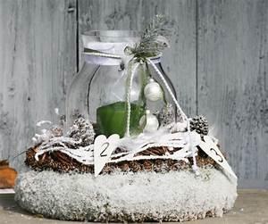 Kerzen Im Weckglas : adventskranz mit gro em glas und schnee bedeckt foto ursula thome ~ Frokenaadalensverden.com Haus und Dekorationen