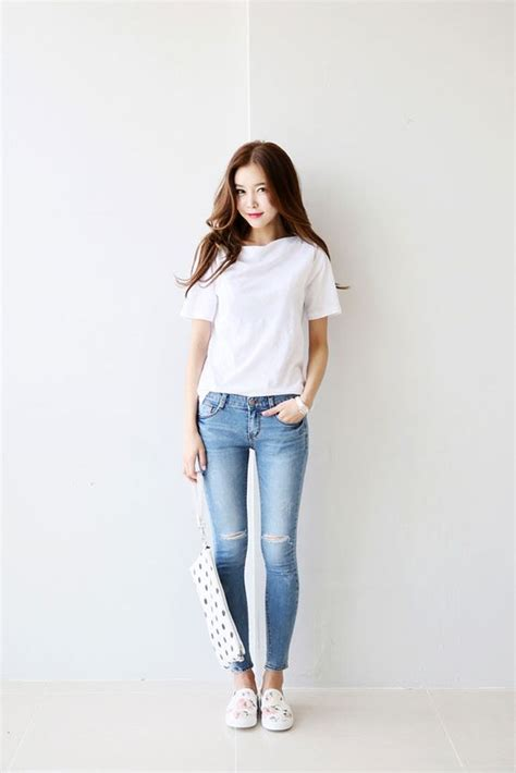 white  shirt  skinny jeans  white floral sneakers luxe asian women design korean