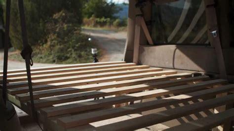 construction dun lit dans  van youtube