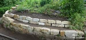 Trockenmauer Bauen Ohne Fundament : trockenmauer aus sandstein jassmann gartengestaltung ~ Lizthompson.info Haus und Dekorationen