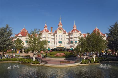 10 reasons why 1 day at disneyland isn t enough attractiontix