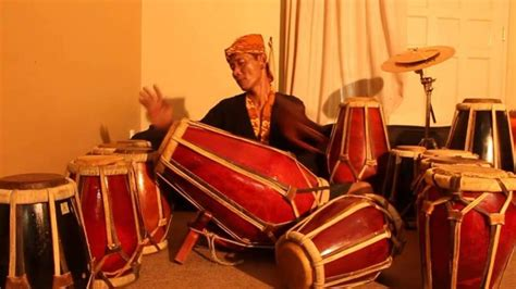 Alat musik kacapi ini berasal dari tanah pajajaran juga yaitu jawa barat. √7 Alat Musik Tradisional Banten, Gambar + Penjelasan - imujio.com