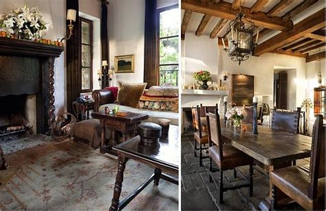 Contrastive House In Austin, Texas Combining Antique Furniture And Modern Technology