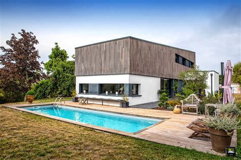 Pibrac : Contemporary house with swimming pool   Agence EA