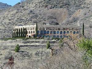 "Part of the ""ghost town"" ambience in Jerome AZ - Picture ..."