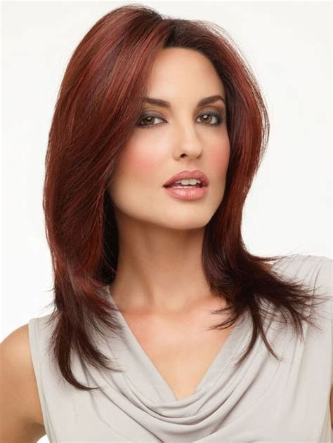 trendy medium haircuts  women circletrest