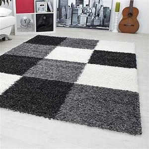 tapis shaggy longues meches noir blanc gris hautes With tapis shaggy noir pas cher
