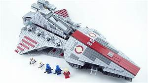 LEGO Star Wars: 8039 Venator-Class Republic Attack Cruiser ...