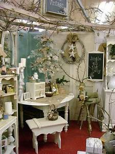 Shabby Chic Online Shop : white shabby chic trunks antique booth ideas antique booth displays antique mall booth ~ A.2002-acura-tl-radio.info Haus und Dekorationen