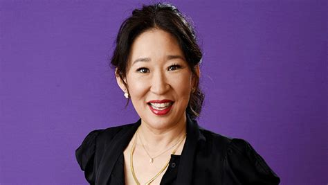 sandra oh oscars host who is sandra oh 5 things on actress hosting the golden
