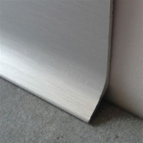 plinthe de cuisine inox plinthe alu anodisé brossé 60mm plinthe alu com