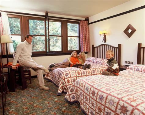 chambre d hotel disneyland pin by simply travel direct on disney 39 s sequoia lodge