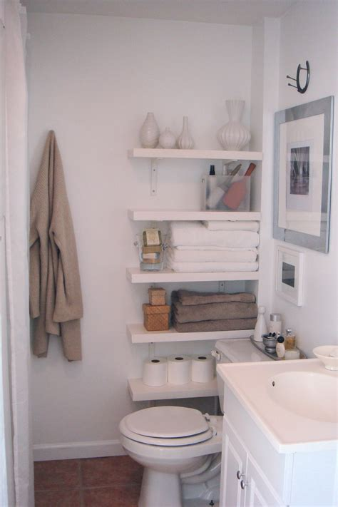 tips for a small bathroom small bathroom decorating bathrooms on a budget ideas for construct spaces pinterest and loversiq