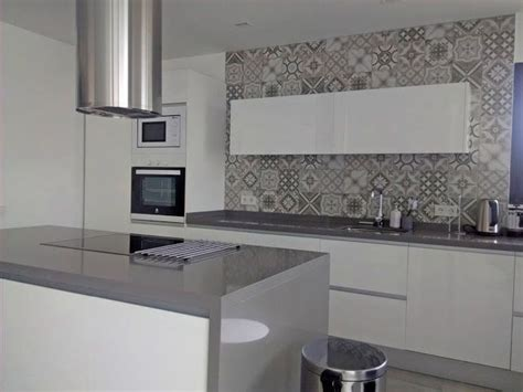 cocina blanca  gris cocina en  cocinas cocinas