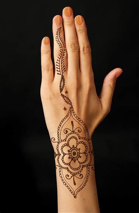 mehndi tattoo designs   blow  mind