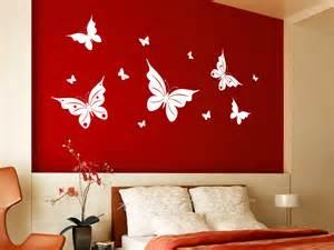 bilder wohnzimmer farbe beige flieder schmetterling wandtattoo frühlingshafte schmetterlinge wandtattoo net