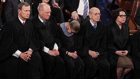 Photo of Ruth Bader Ginsburg Nodding Off Goes Viral